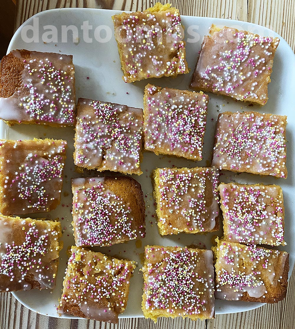 Sprinkled cakes ready to eat